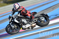 2014 MV Agusta Brutale 800 Dragster – First Ride Unlike most dragsters, this dramatic-looking new MV Agusta likes to turn left and right.