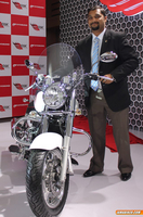 Hyosung Aquila GV250 cruiser launched at Auto Expo 2014
