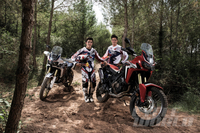 VIDEO: 2016 Honda Africa Twins on the Dirt... ...and they're being ridden by Marc Marquez and HRC Rally rider Joan Barreda!