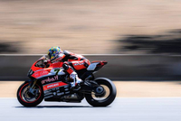 WSBK: Davies and Giugliano Remain with Ducati for 2016