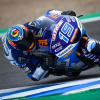 Rodrigo 0.3 ahead after hectic Moto3™ FP3