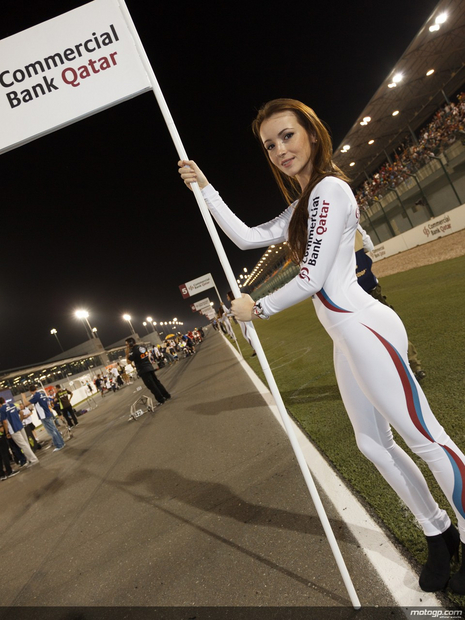 Umbrella girl 16 Losail Circuit Qatar 2012 MotoGP - Photo